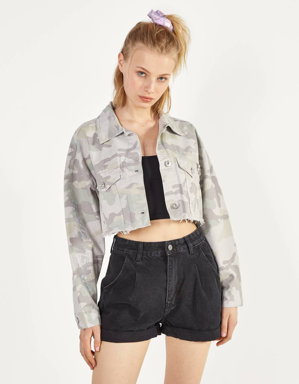 Cropped jacket with shiny details