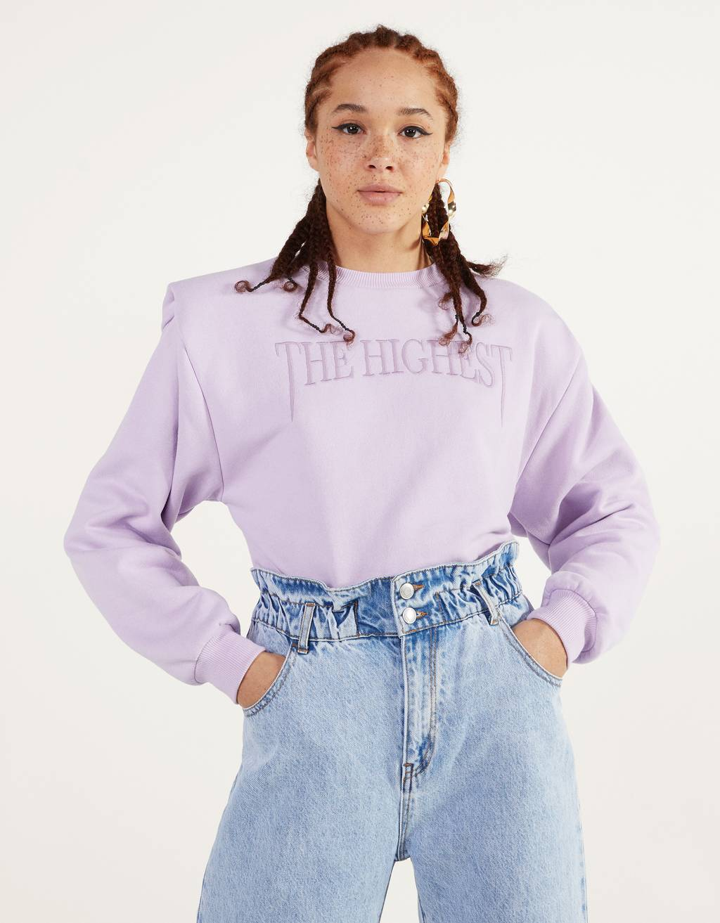 Sweatshirt with shoulder pads and embroidery