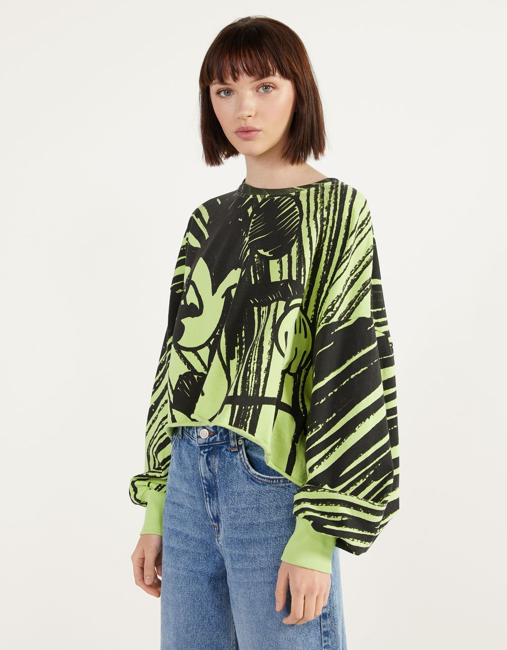 "Sweatshirt med ""Mickey gets arty"""