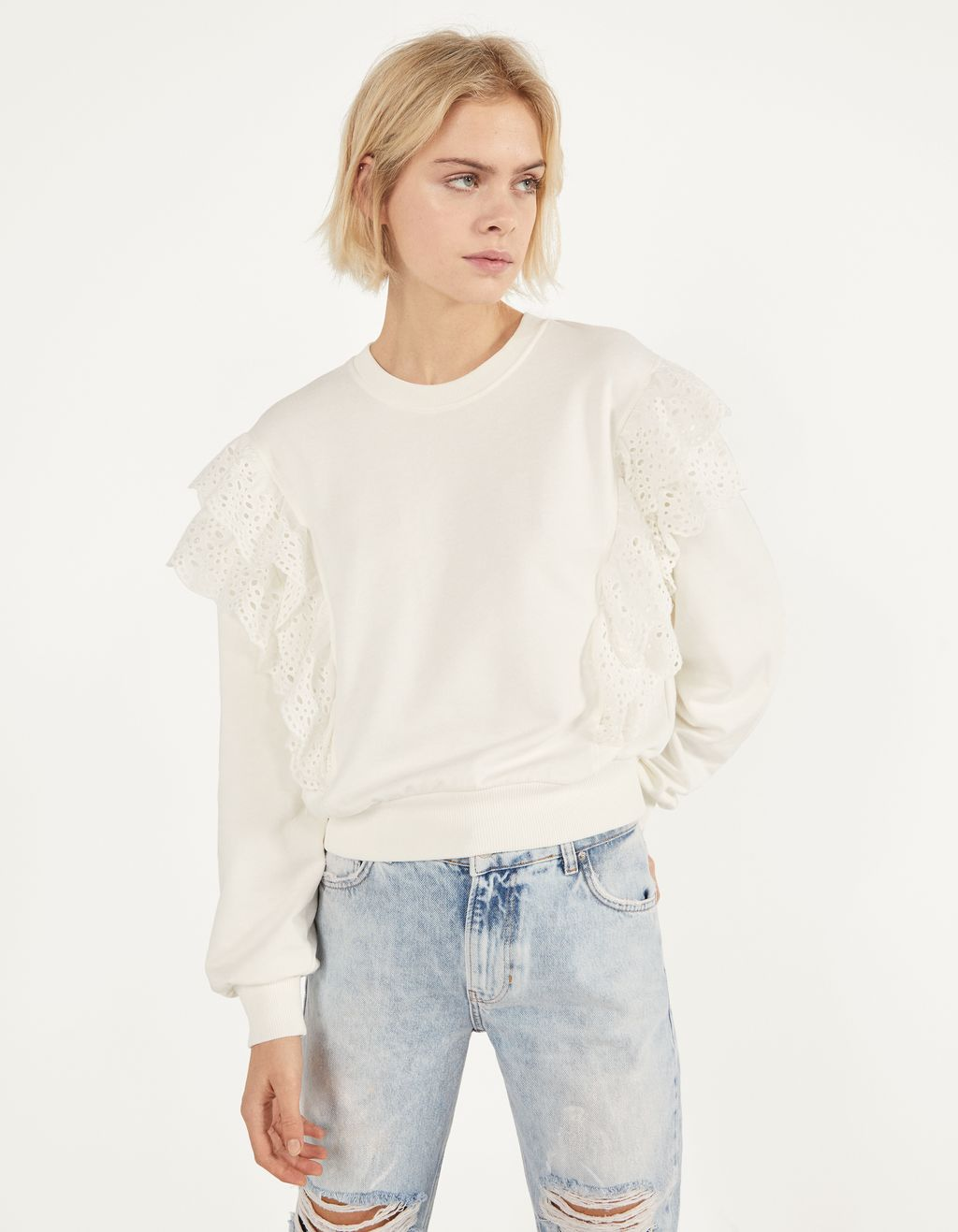 Sweatshirt with ruffles and Swiss embroidery