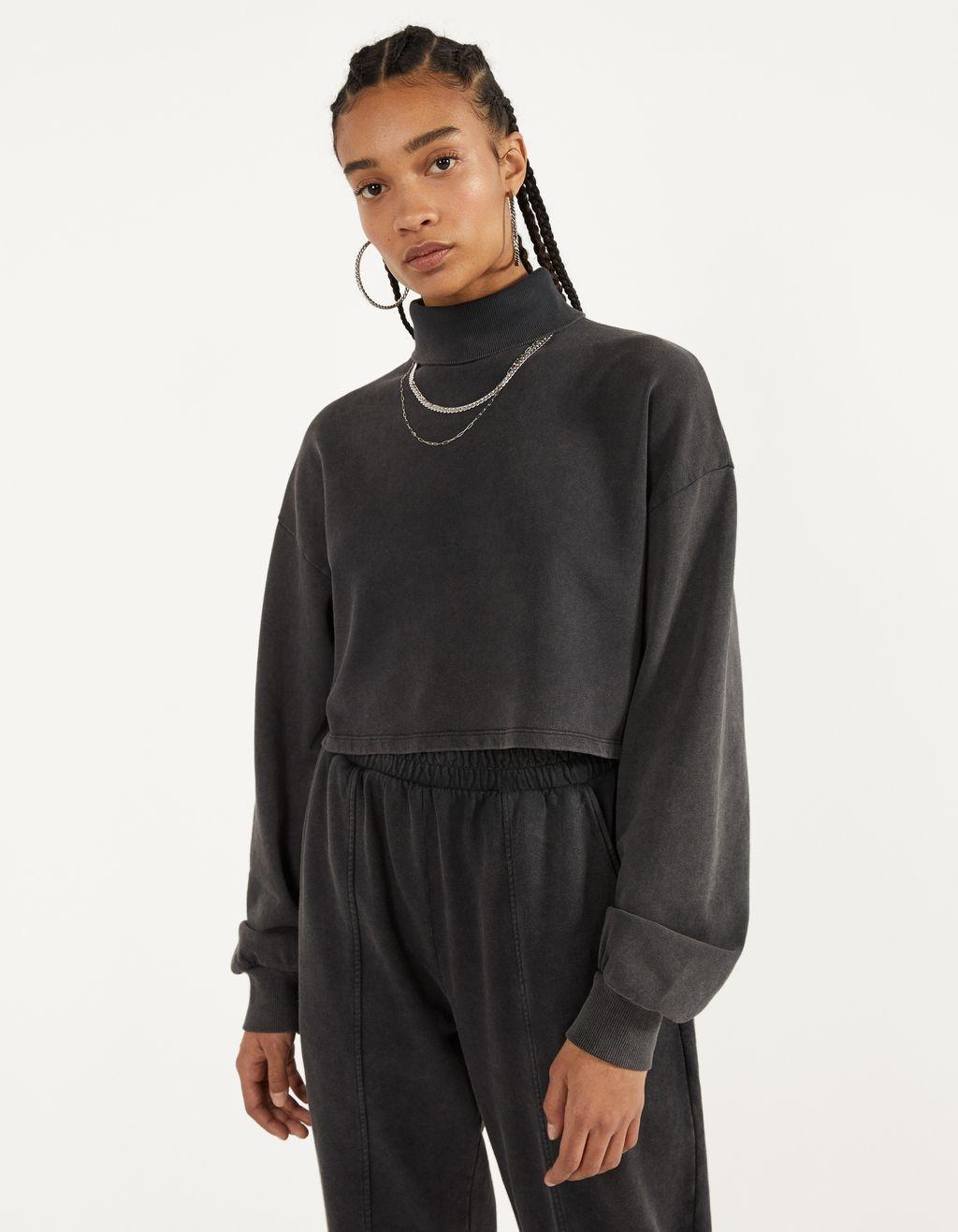 Cropped-Sweatshirt mit Rollkragen