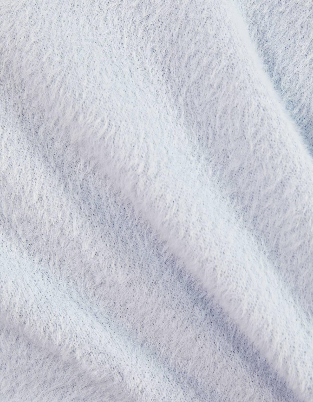 Пушистый свитер в стиле поло Голубой Bershka