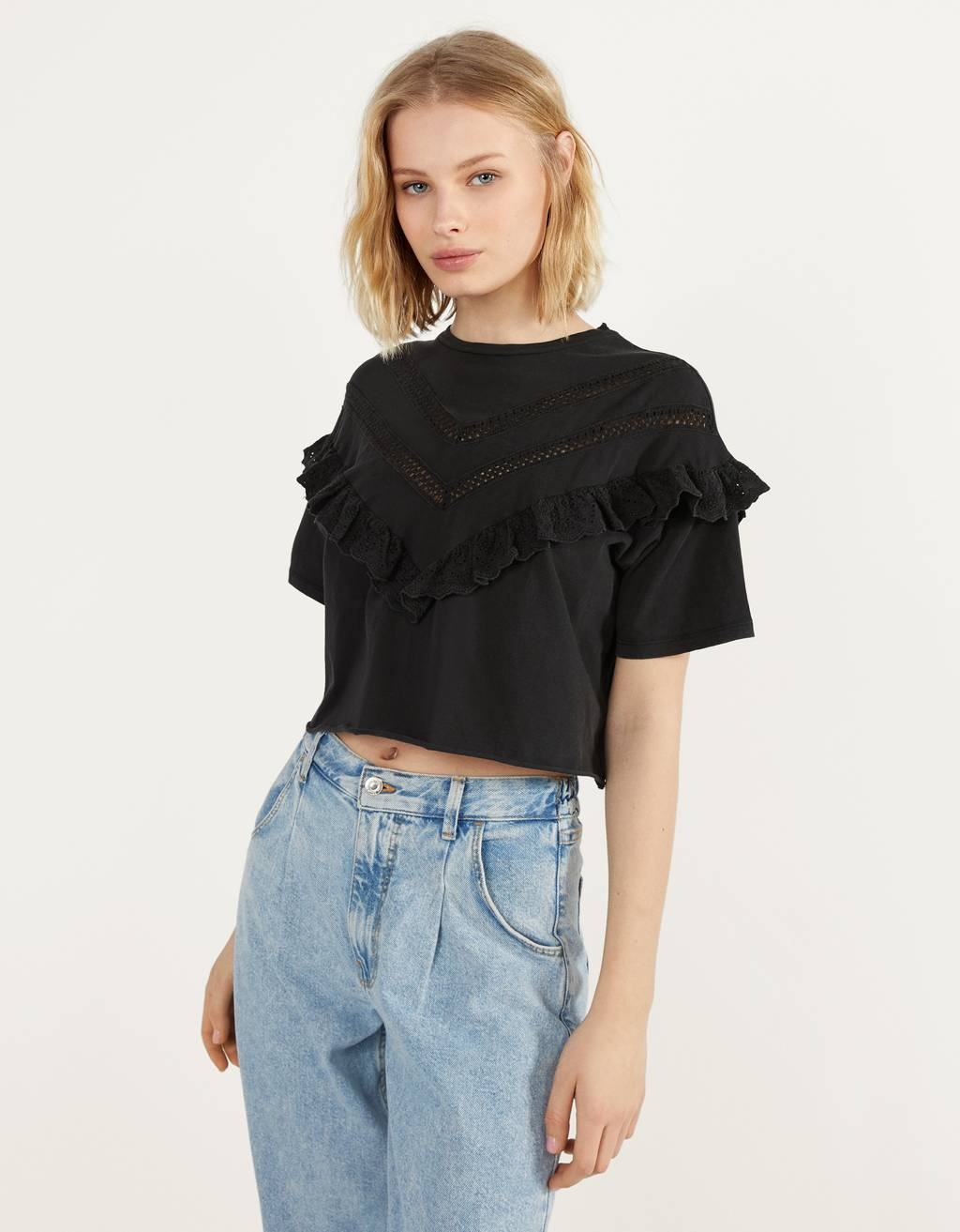 Cropped T-shirt with ruffles