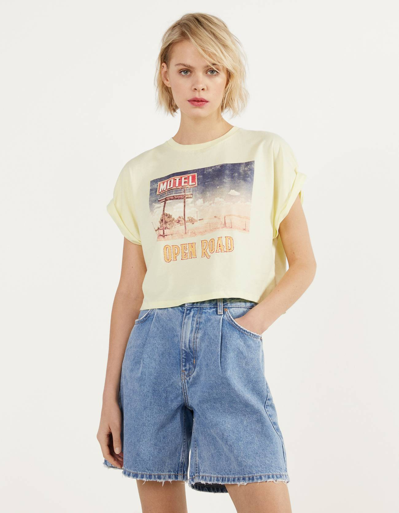 Cropped T-shirt with print