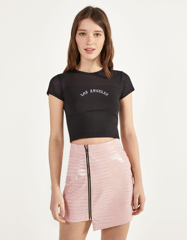 T-shirt med tyll och broderad detalj