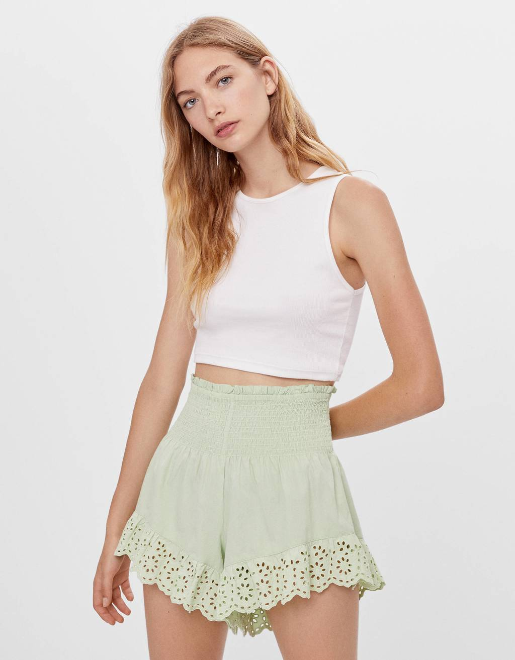 Embroidered shorts with shirring