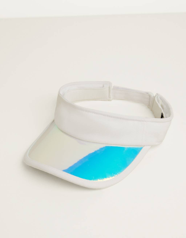 Iridescent visor