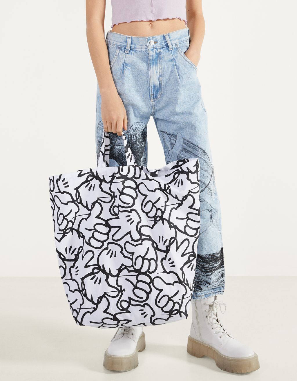 "Totebag med ""Mickey gets arty"""