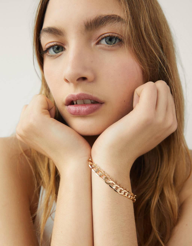 Set of chain bracelets