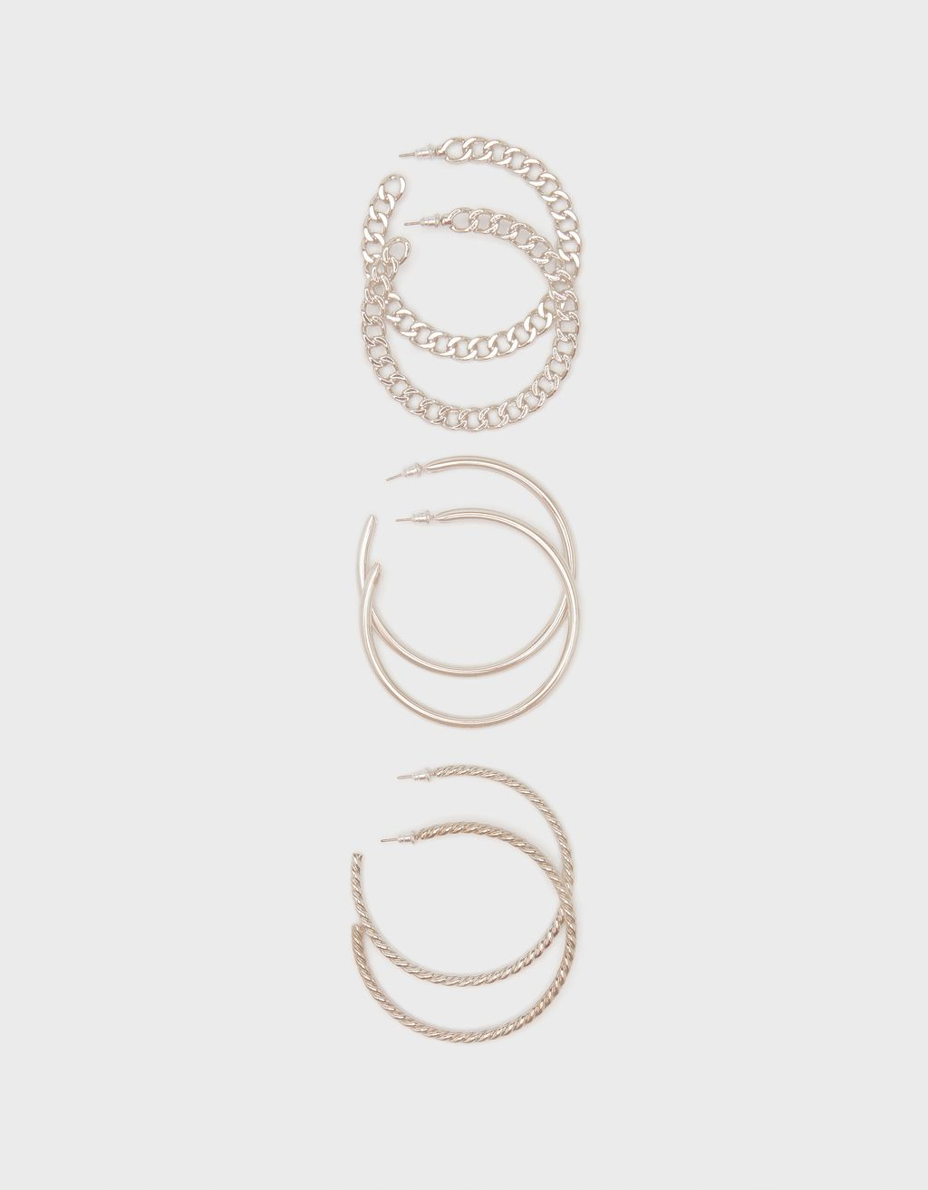 Set of chain hoop earrings