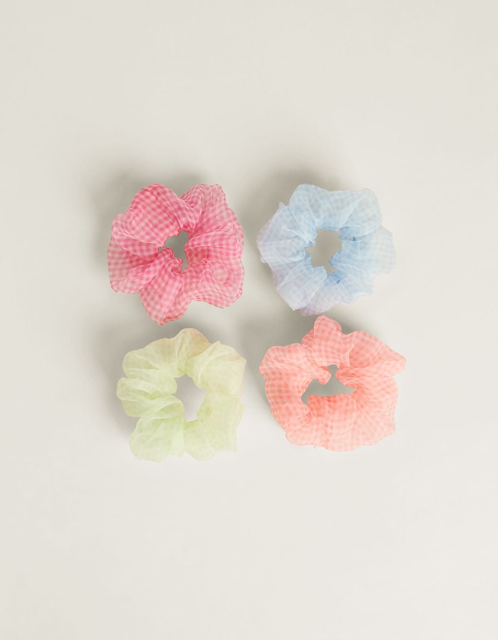 Pack of organza scrunchies