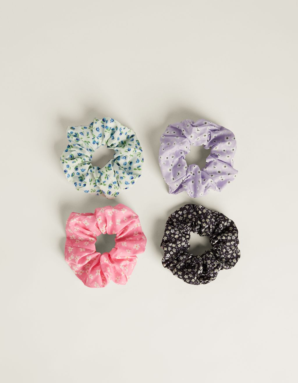 Pack of printed scrunchies