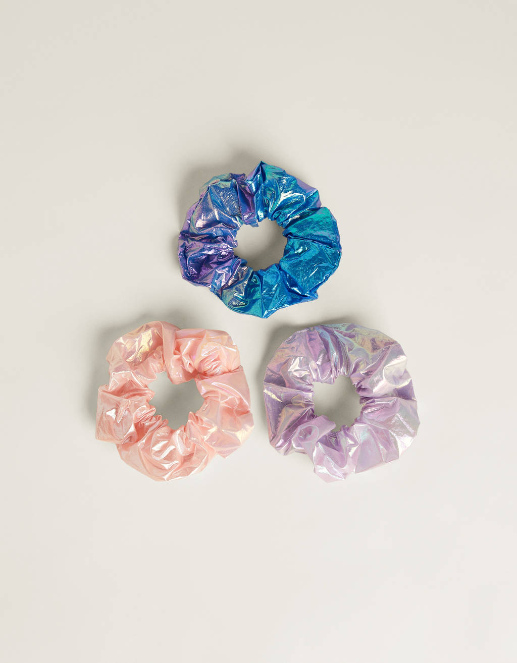 Pack of iridescent scrunchies