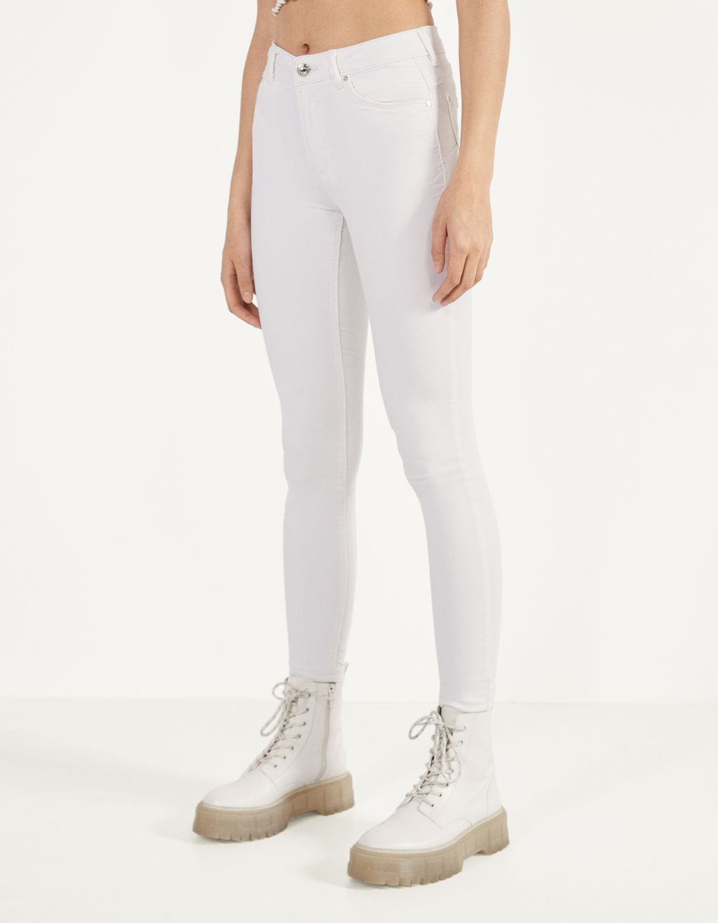 Five-pocket push-up jeans