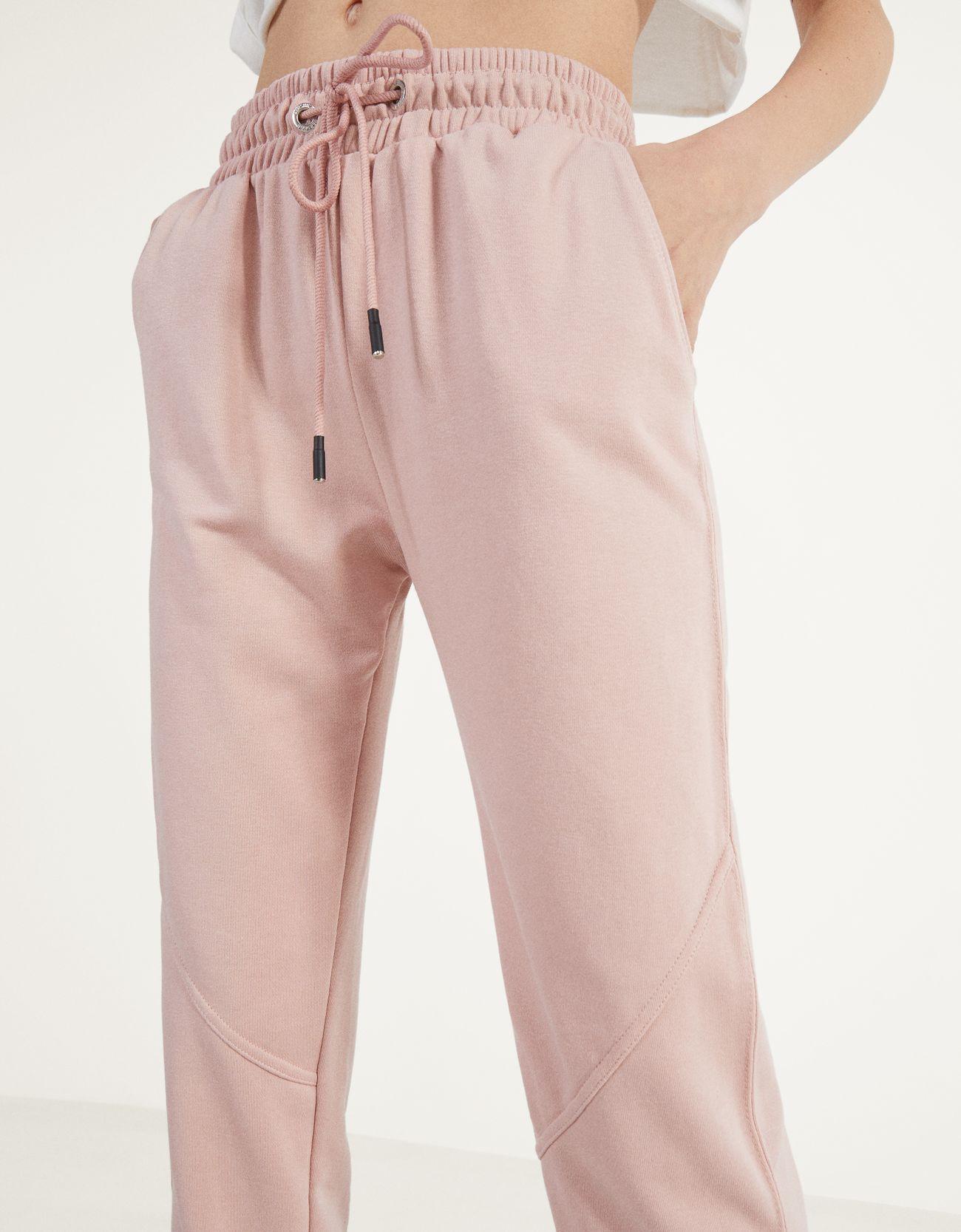 Брюки-джоггеры из мягкой ткани Розовый Bershka