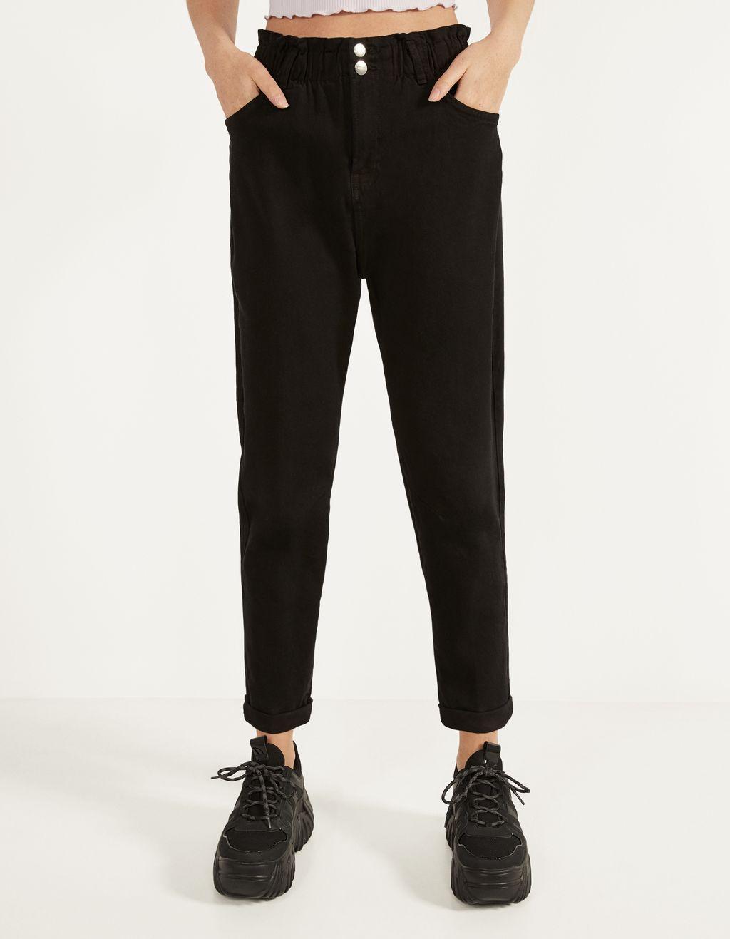 Calças com cintura elástica
