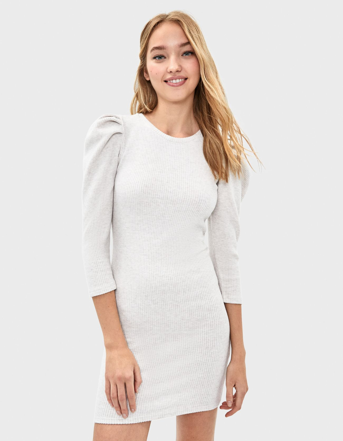 Платье с рукавами-фонариками БЕЖЕВЫЙ Bershka