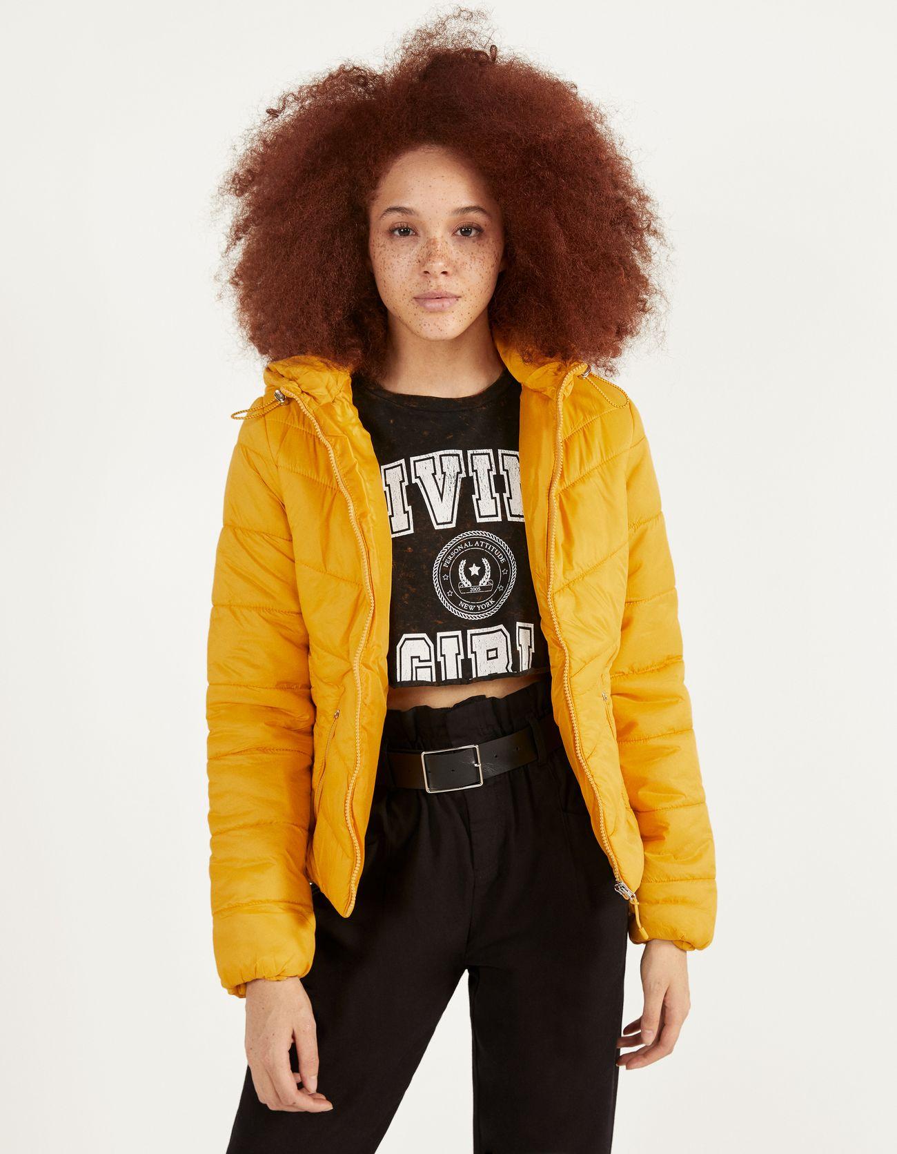 Стеганая куртка с капюшоном Оранжевый Bershka