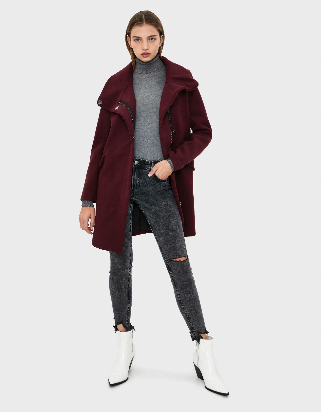 Шерстяное пальто с воротником-стойкой ГРАНАТОВЫЙ Bershka