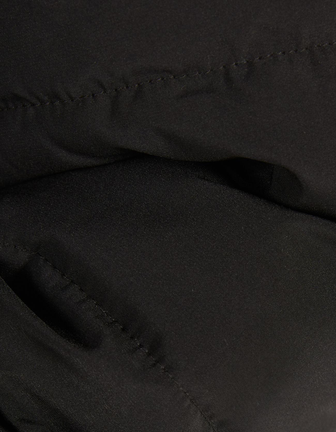Стеганое пальто с поясом Черный Bershka