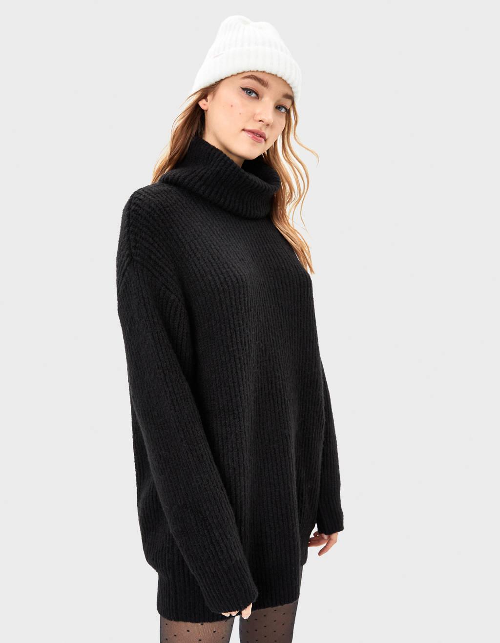 Oversize pulover s puli ovratnikom