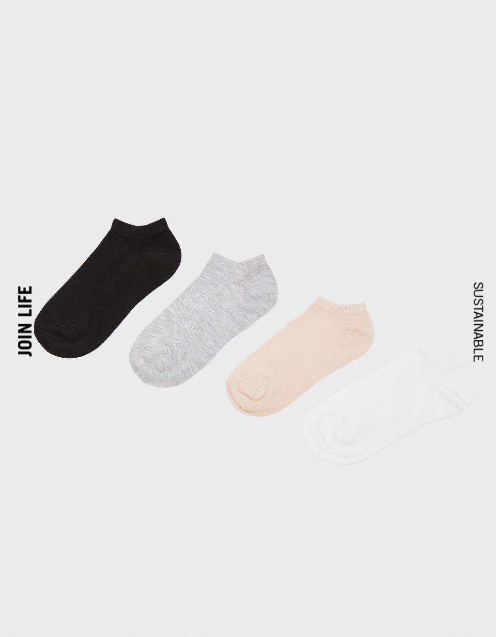 Pacco di calzini alla caviglia