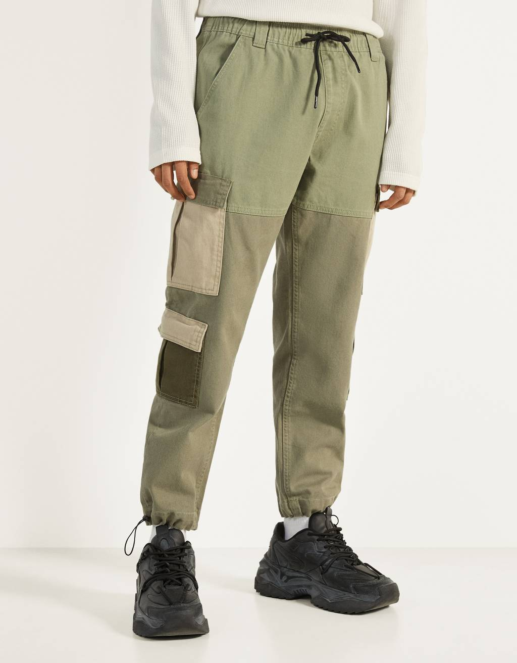 Multi-pocket jogging trousers