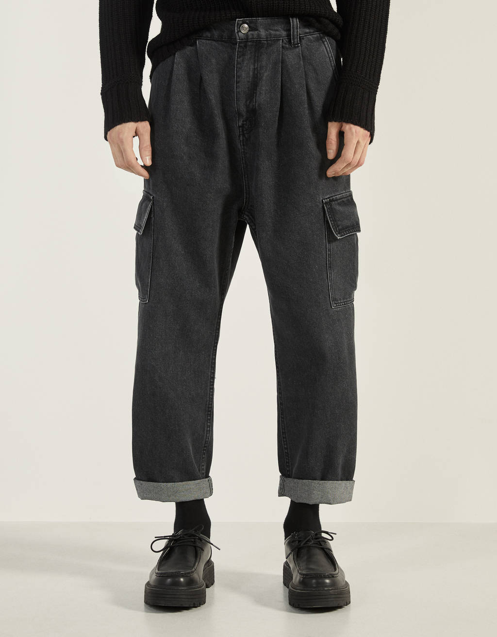 Balloon fit cargo jeans