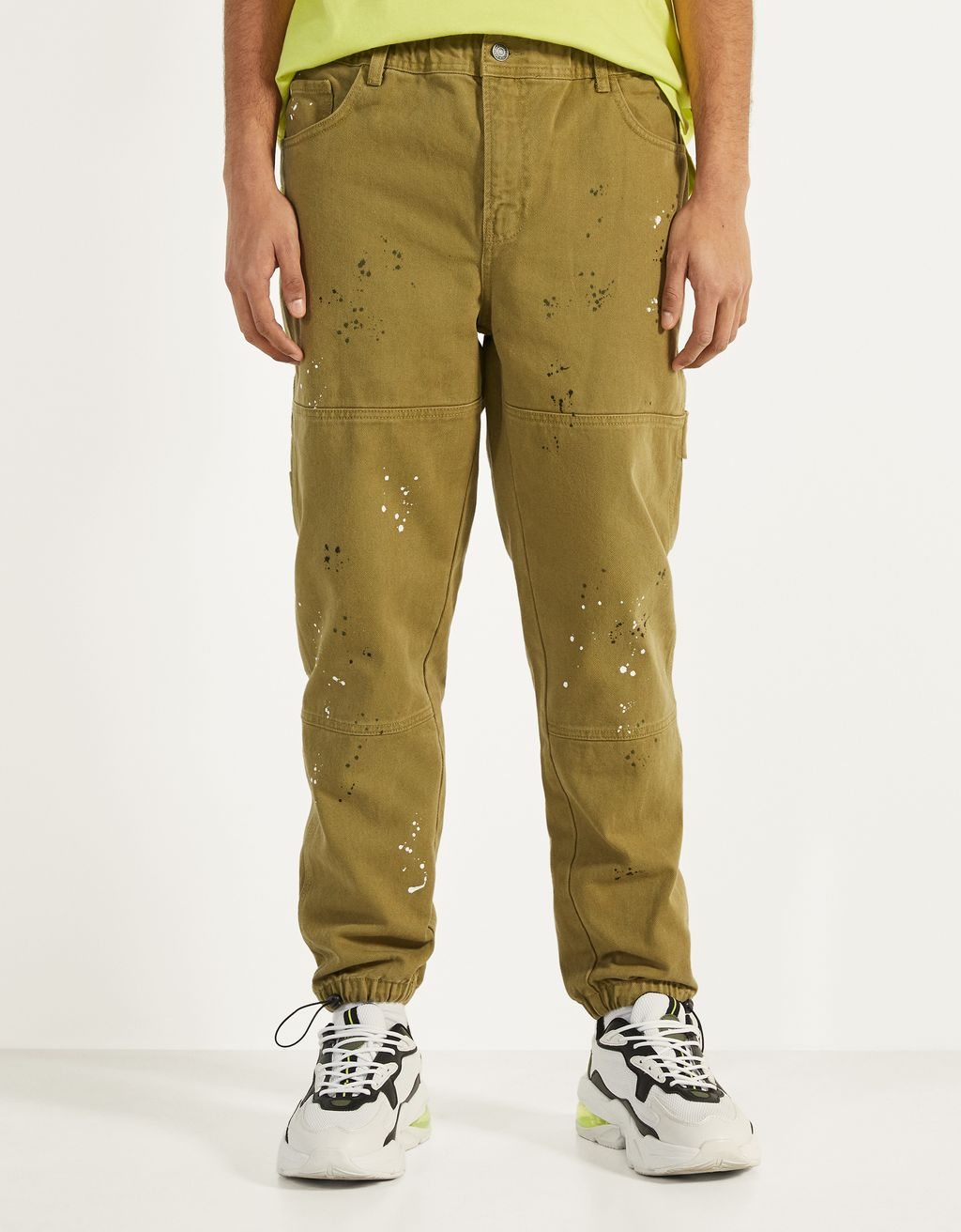 Jogger jeans with paint detail