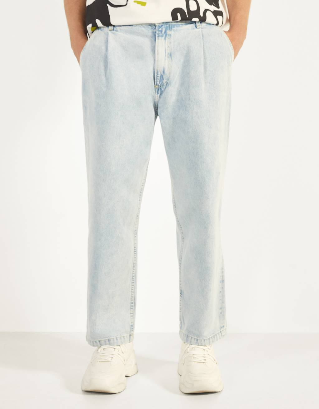 Wide Leg Jeans with Darts