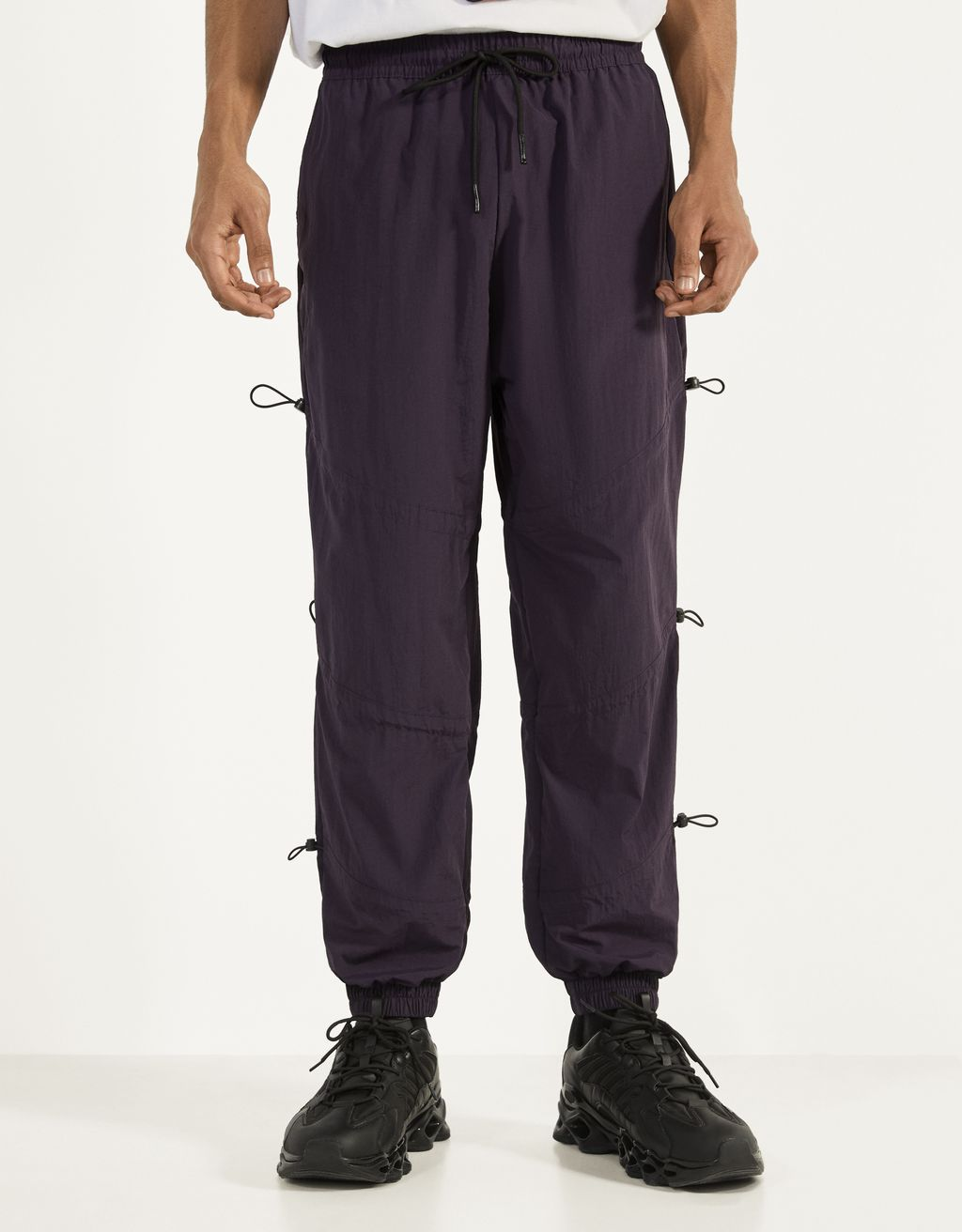 Joggers with elastic details