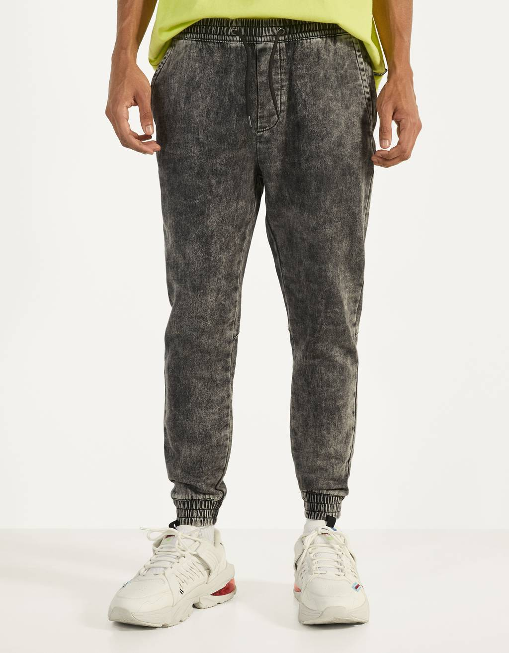 Acid wash jogging fit jean