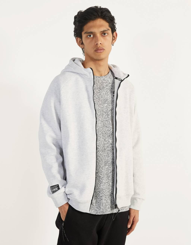 Jachetă cu glugă și imprimeu