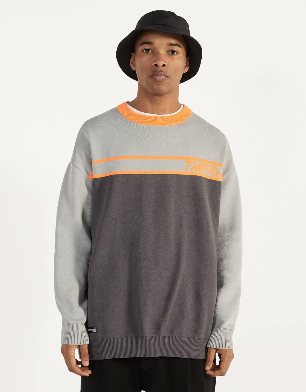 Zweifarbiger Pullover aus Funktionsstoff