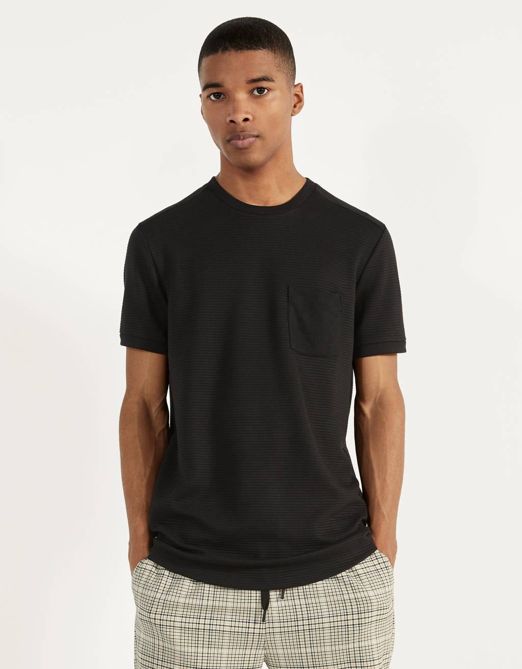 T-Shirt mit Tasche