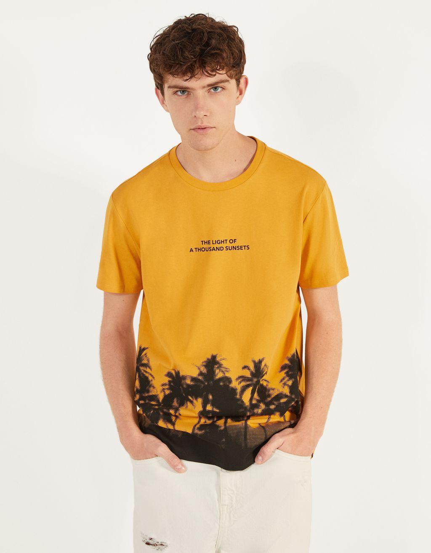 T-shirt à manches courtes et motif palmiers