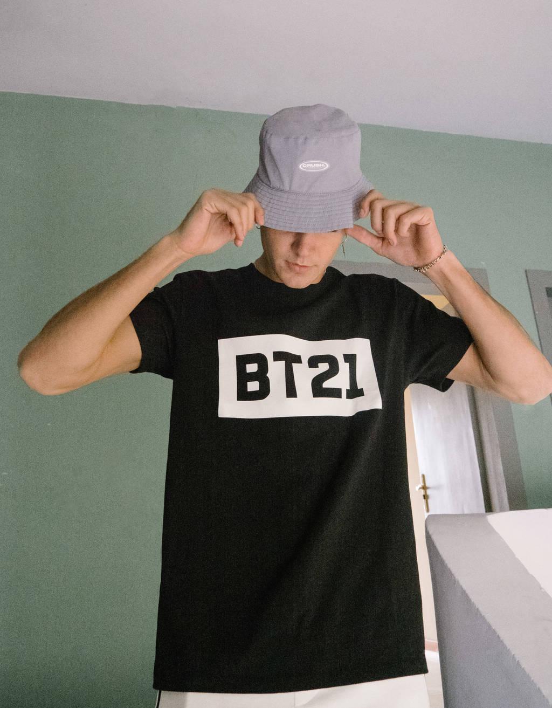 Camiseta de manga curta BT21
