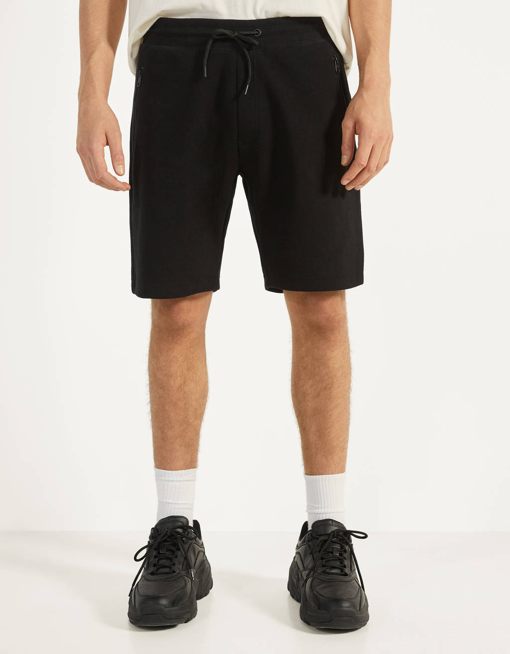Bermuda shorts with zip pockets