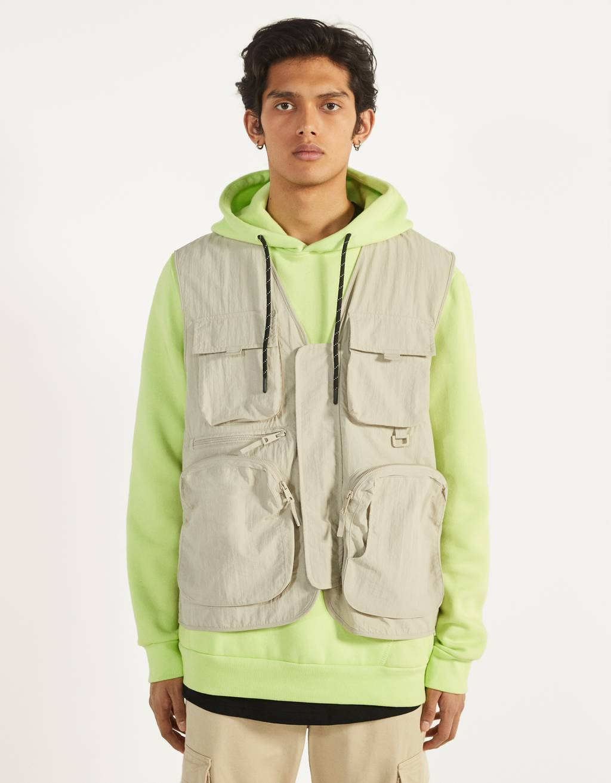 Nylon utility vest with mesh