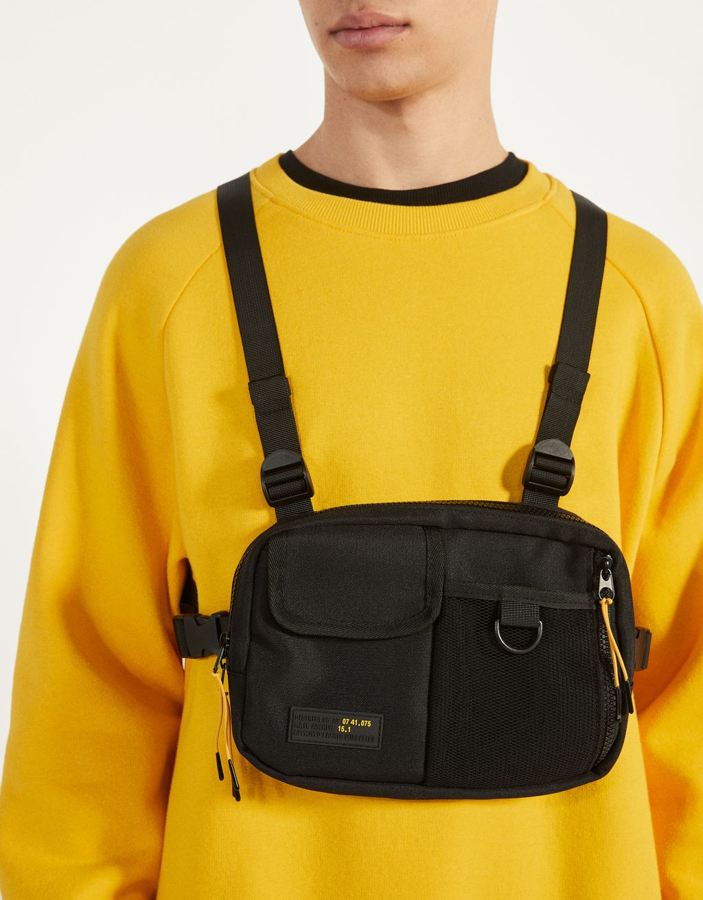 Chest-bag style belt bag
