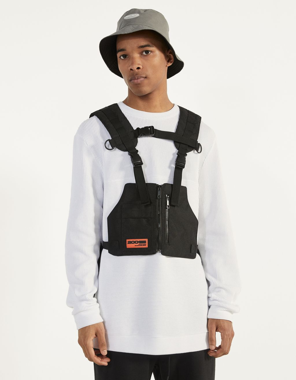 Reflective multipocket gilet