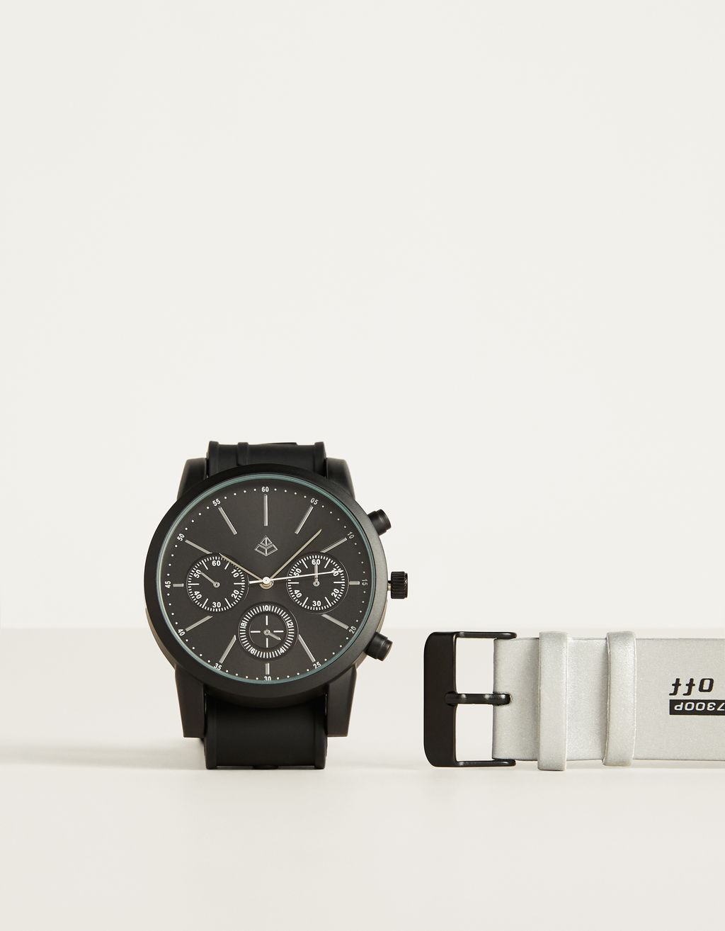 Watch with interchangeable wristband