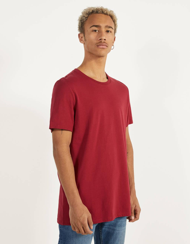 T-paita pyöreällä kaula-aukolla
