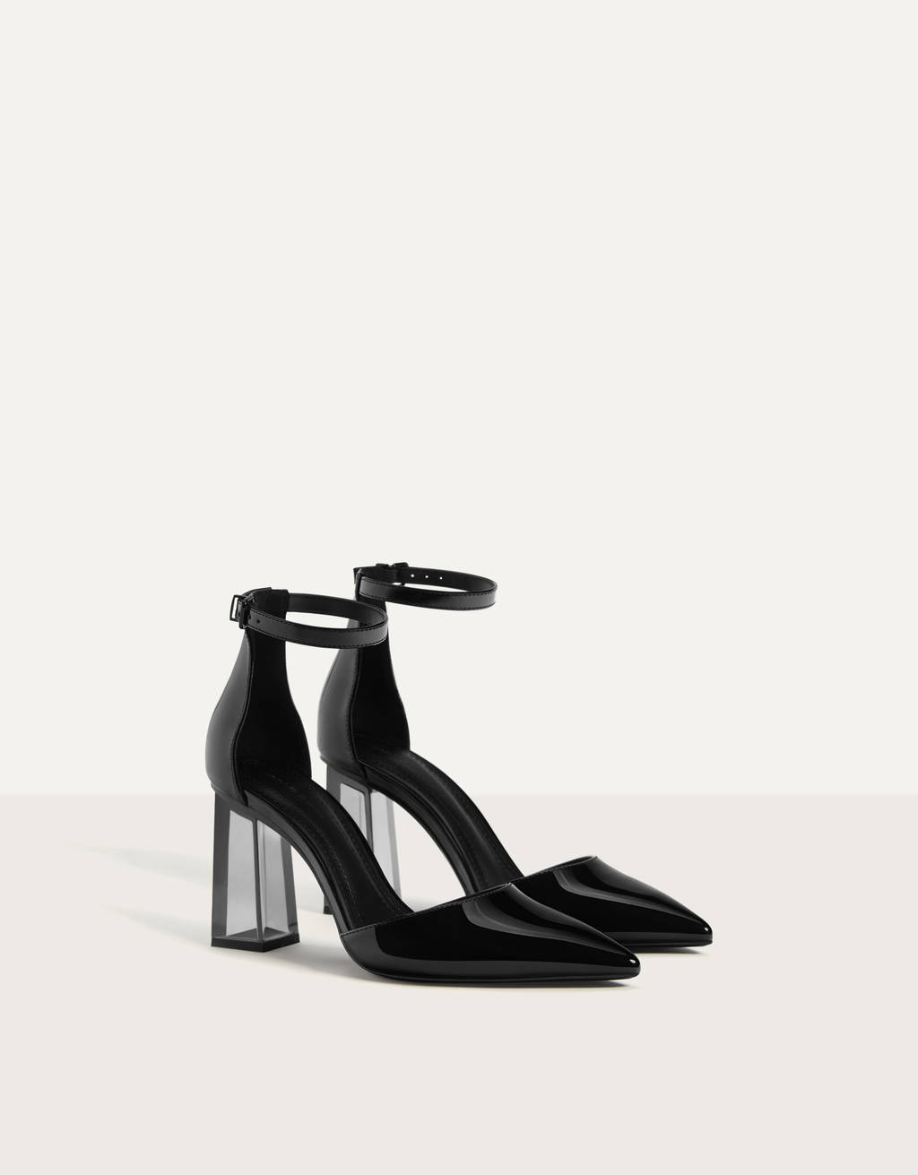 Shoes with methacrylate heels