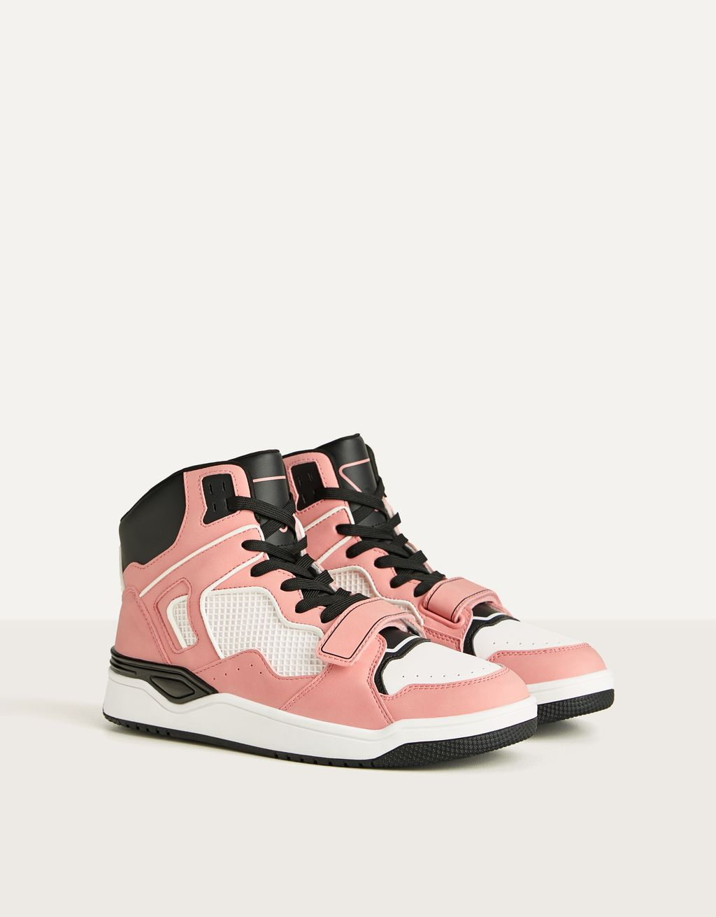 High-top trainers with contrast