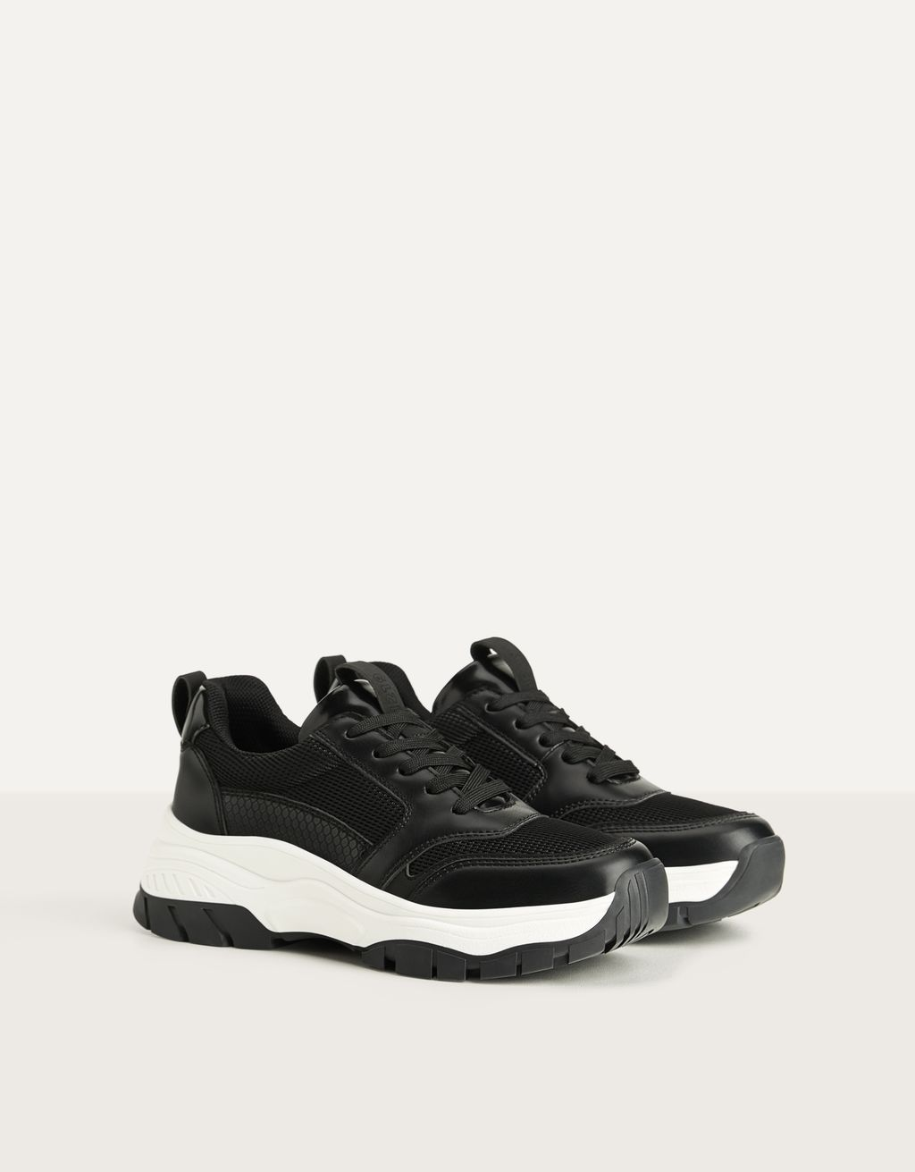 Contrast mesh trainers