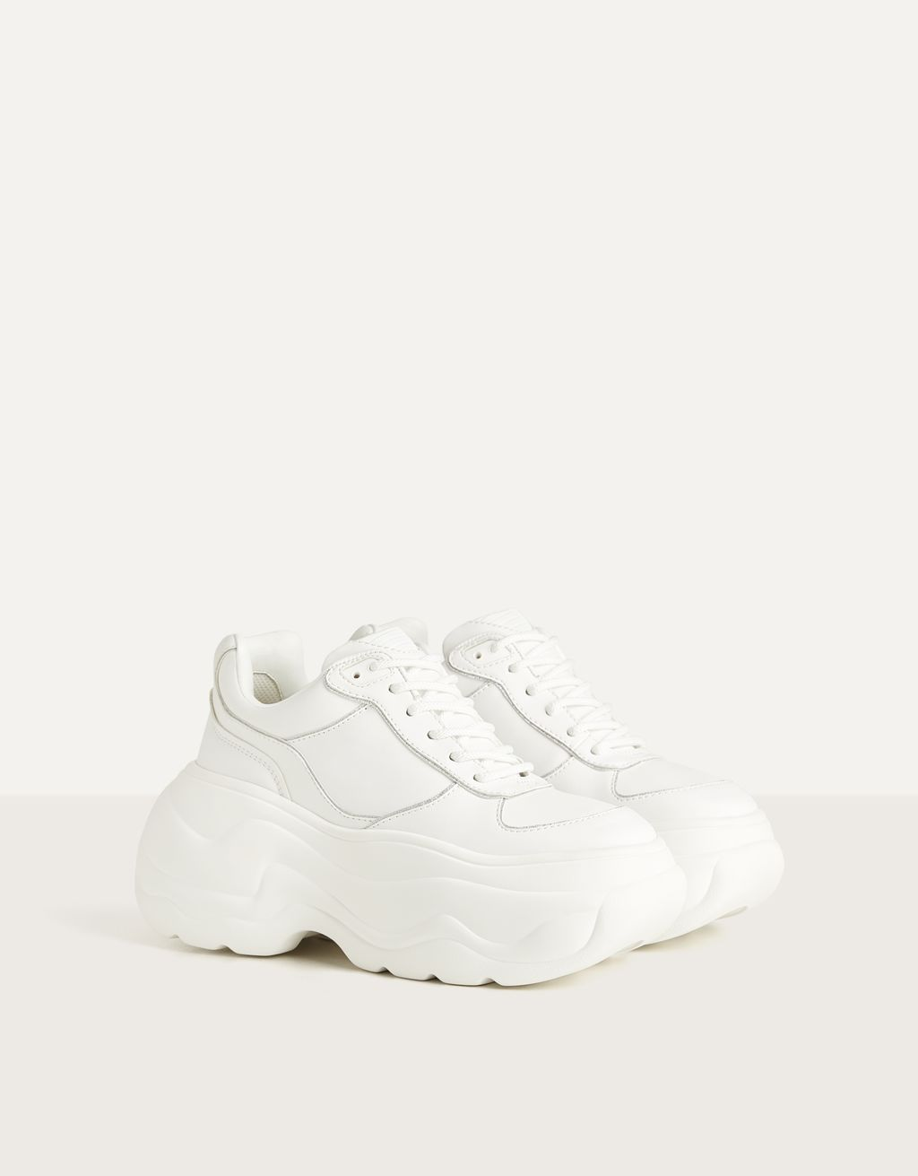 Trainers met XL-plateauzool en metallic detail