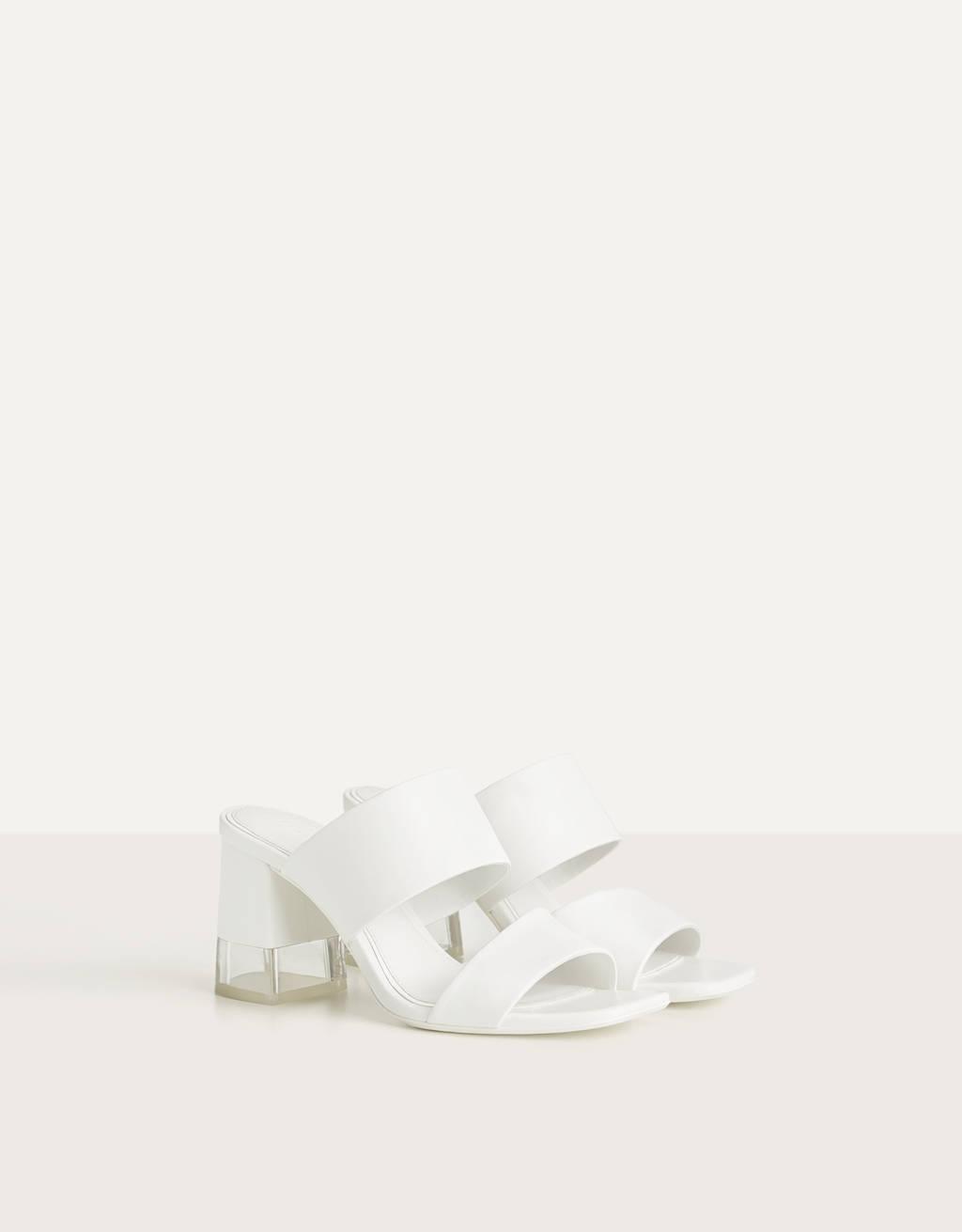 Sandály na metakrylátovém podpatku a s volnou patou