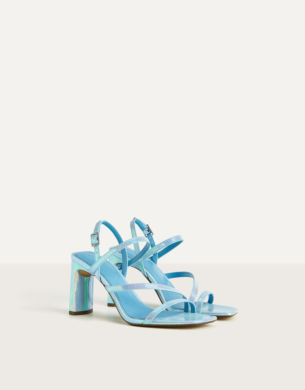 Heeled sandals with iridescent straps