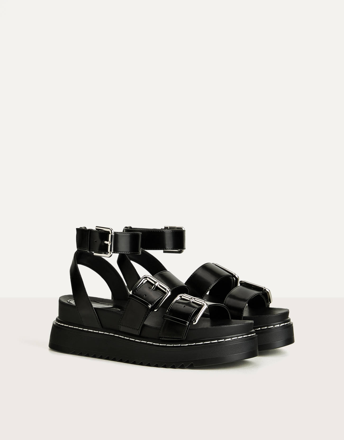 Strappy platform sandals with buckle